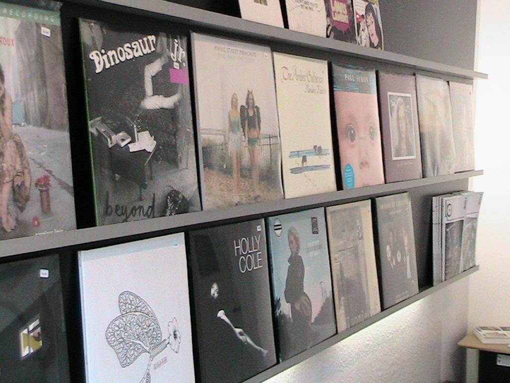 Vinyl-Regal: Hier kann man noch Cover-Art bewundern!